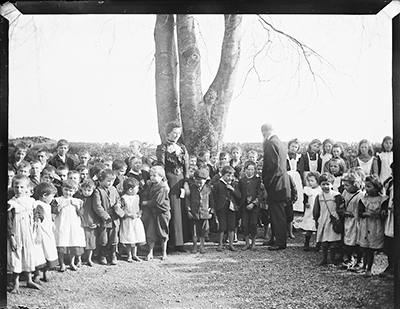 Miss Crowe and Mr Gildea with their pupils at Kilglass National School, Ahascragh, Co. Galway